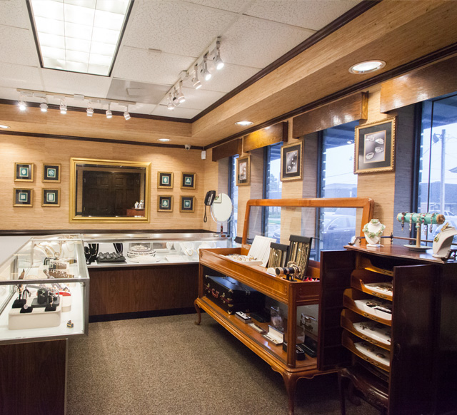 Edberg Jewelry's wide selection of vintage jewelry waits for you!